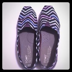 Purple chevron toms Worn only once! In excellent condition! Very hard to find a pair this unique! TOMS Shoes Flats & Loafers