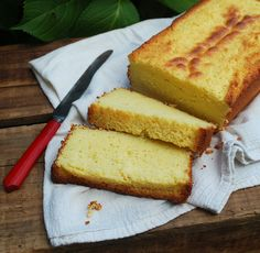 Lemon Ricotta Pound Cake http://thecuttingedgeofordinary.blogspot.com/search?updated-min=2013-01-01T00:00:00-05:00&updated-max=2014-01-01T00:00:00-05:00&max-results=50