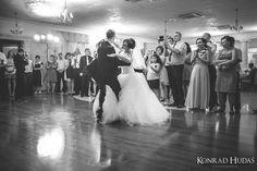 Pierwszy taniec  #fotograf #fotografslubny #fotograflubartow #fotograflublin #fotografleczna #zdjeciaslubnelublin #fotografwarszawa #fotografpulawy #fotograflukow #zdjeciaslubnechelm #wedding #weddingreception #bridelle #bride