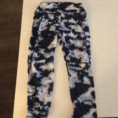 Super cute leggings! Love these leggings! I have worn the 2 times. Best offer! Pants Leggings