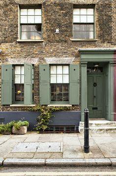 Best Exterior Paint, Exterior Paint Colors For House, Paint Colors For Home, Exterior Doors, Paint Colours, Black Exterior, Exterior Design, Farrow Ball, Green Front Doors