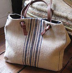 Bolsa de tecido com listas centrais