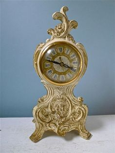 Vintage United Shabby Chic French Design Mantel Clock