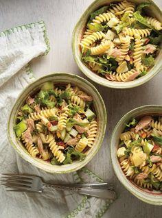 Pasta, Tuna, Apple and Artichoke Salad Mediterranean Chickpea Salad, Artichoke Salad, Ricardo Recipe, Salad Recipes, Healthy Recipes, Cold Meals, Pasta Salad, Meal Prep, Salads