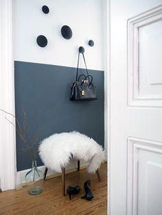 Flur-Hallway-Half-Painted-Walls-Dark-Walls-Muuto-Dots - Hannah O. Hallway Wall Colors, Hallway Paint, Dark Hallway, Hallway Walls, Hallway Ideas Entrance Narrow, Entrance Hall, Hallways, Half Painted Walls, Half Walls