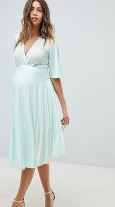52e0f228a9ebf Maternity dresses for wedding guests: what to wear if you're pregnant at a  wedding