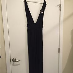 Top Shop Black Jumper Brand new! Never worn, with tags. Originally $68! Stretchy material, great for over a bathing suit. Low cut and side cut outs. Super cute! Topshop Other