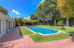 Photo of Leonardo DiCaprio Just Sold This House — but We're Surprised He Owned It to Begin With Studio City, Home Studio, Leonardo Dicaprio, Photo Galleries, Gallery, Outdoor Decor, House, Home Decor, House Studio
