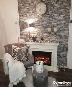 5 Ideas to Get Inspired for Fireplace Decoration Oturma Odası Fireplace Seating, Fireplace Wall, Living Room With Fireplace, Fireplace Design, Living Room Decor, Living Spaces, Garden Chairs, Elegant Homes, Interior And Exterior