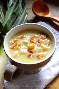 Cauliflower and leek soup cream Baby Food Recipes, Soup Recipes, Vegan Recipes, Cooking Recipes, Vegan Foods, I Foods, Hungarian Recipes, Romanian Recipes, Romania Food