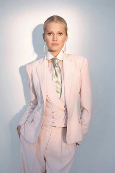ralph lauren spring 2012 traje pantalon rosa con chaleco y corbata