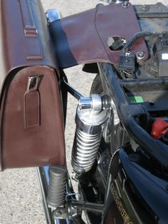 I finally installed the Triumph City Bag.. Pics. - Triumph Forum: Triumph Rat Motorcycle Forums
