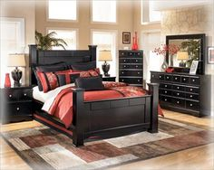 Pretty colors with black furniture..would really love this in my spare room