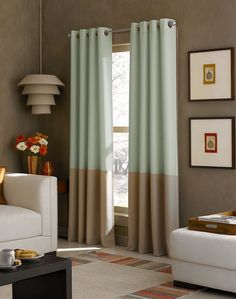 Cortina com duas cores para sala em tom de concreto