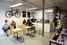 bicycle cycling bike paris coffee steel cafe le peloton sprudge