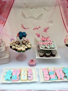 Fairy Party : Floating butterflies over the sweets