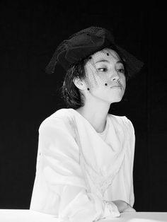 20th Century Fashion, Boyish, Fashion Accessories, Beautiful Women, Ruffle Blouse, Japan, Actresses, Actors, Fashion Outfits