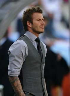 How dapper does David Beckham look in a waistcoat? We love his style! Men Formal, Formal Suits, Mens Semi Formal Outfit, Formal Vest, Sharp Dressed Man, Well Dressed Men, David Beckham, Ropa Semi Formal, Fashion Moda