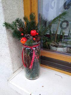 Christmas Wreaths, Holiday Decor, Red, Home Decor, Decoration Home, Room Decor, Home Interior Design, Home Decoration, Interior Design