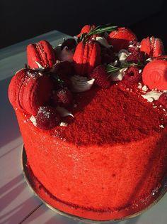 Торт «Красный бархат» новая версия Декор Хозяйке на заметку Мои лучшие торты Мой первый «Красный бархат» Шоколадный на «Раз-Два-Три» — с него начинают знакомство с блогом «Колибри» — ямайский феномен «Тёмный Ларри» — на сегодня максимально шоколадный торт Идеальный морковный торт с орехами и цукатами «Энни Бэрри» — ягодное блаженство «Партия» с двойным характером Кофейная...
