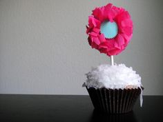 DIY crepe paper flower cupcake toppers (pretty parties guest)