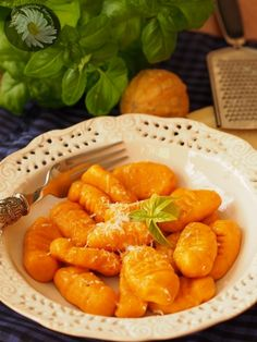 Kulinarne Szaleństwa Margarytki: Kluseczki dyniowe z ziołowym masłem