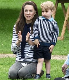 Kate Middleton wearing Le Chameau Vierzonord Wellington Boot in Green and Ralph Lauren Tori Breton Striped Tee Duchess Kate, Duchess Of Cambridge, British Style, British Royals, Fashion Kids, Star Fashion, George Alexander Louis, Princesa Kate, Young Celebrities