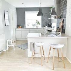 Schmale offene Küche