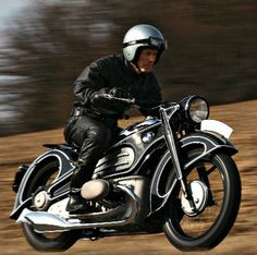 BMW R 7 Only a single example of this magnificent ride was crafted back in 1934 by BMW design engineer Alfred Böning,...