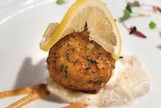 Jumbo Lump Crab Cakes recipe presented by South Louisiana Recipes & Young's Web Designs - a Lafayette Website Design Company Creole Recipes, Cajun Recipes, Entree Recipes, Fish Recipes, Seafood Recipes, Cooking Recipes, Yummy Recipes, Drink Recipes, Yummy Food