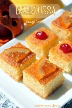 Basboussa gateau de semoule orange confite Southern Recipes, My Recipes, Cake Recipes, Cooking Recipes, Crepes, Tastee Recipe, Tunisian Food, Orange Confit, Algerian Recipes