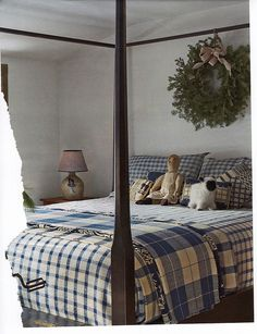 New Farmhouse Style Christmas Early American Ideas Cozy Bedroom, Dream Bedroom, Bedroom Decor, Decorating Bedrooms, Colonial Decorating, Bedroom Ideas, Decorating Ideas, Bedroom Rugs, Bedroom Interiors