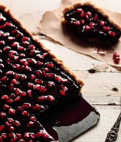 Chocolate Pomegranate Tart - i cant begin to describe how lovely and delicious this looks to me right now.
