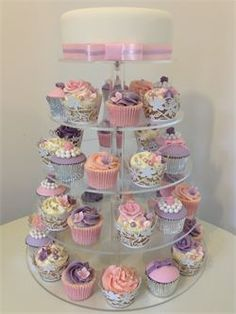 Stunning cakes that are affordable - made by hand in Telford Shrophshire.