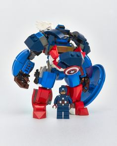 I wanted to build a suit fully articulated and very pose able with lots of details and a good punch of expression. There are a lot of action poses you can do with this build. Lego Mecha, Lego Robot, Lego War, Lego Toys, Lego Dc Comics, Lego Marvel, Captain America, America America, Legos