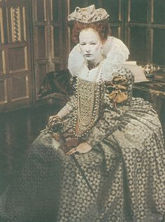 Elaborate costume worn by Glenda Jackson as old Queen Elizabeth I in the 1970 BBC TV series 'Elizabeth R'. Fabric is printed satin, not embroidered. Elizabethan Gown, Elizabethan Fashion, Tudor Fashion, Renaissance Fashion, Victorian Fashion, Tudor Costumes, Movie Costumes, British Actresses, British Actors