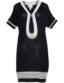 Short-sleeved knit dress in Black / White designed by Roberto Cavalli Black And White Design, Black White, White Outfits, Roberto Cavalli, Plus Size Dresses, Knit Dress, Plus Size Fashion, Beautiful Dresses, White Shorts