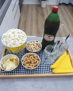 Dinning Etiquette, Movie Night Snacks, Veg Dishes, Good Food, Yummy Food, Food Platters, Savory Snacks, Creative Food, Colorful Decor