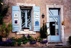Doors and Windows - Images Hydrangea Bush, Windows Image, Brittany France, Antique Lighting, Windows And Doors, Blue Flowers, Provence, Photo Art, Fine Art