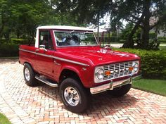 My friend Rich restored this awesome 1969 Ford Bronco in Naples, Florida this summer.  Another example of area car craft.