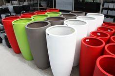 Kleurrijke nieuwe potten