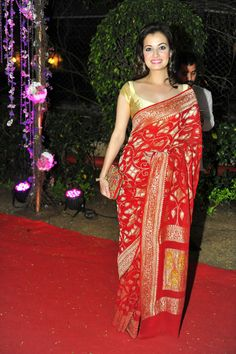 Dia Mirza looked lovely in a red sari at Ahana Deol's wedding reception #Style…