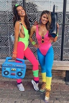 Meme Costume, Costume Année 80, 80s Workout Costume, 80s Party Costumes, 80s Party Outfits, Retro Costume, Costumes For 3 People, Sexy Diy Costumes, Diy Halloween Costumes
