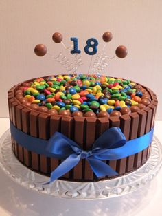 """Birthday Kit Kat Cake"""" I would have loved this for my birthday! Wonder what happens when you undo the ribbon. Torta Candy, Candy Cakes, Cupcake Cakes, Birthday Cake 30, 17th Birthday, Bolos Naked Cake, 18th Cake, Cake Kit, Occasion Cakes"""