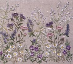 Herb Embroidery, Cushion Embroidery, Embroidery Flowers Pattern, Embroidery Works, Hand Embroidery Stitches, Beaded Embroidery, Cross Stitch Embroidery, Embroidered Quilts, Embroidered Flowers