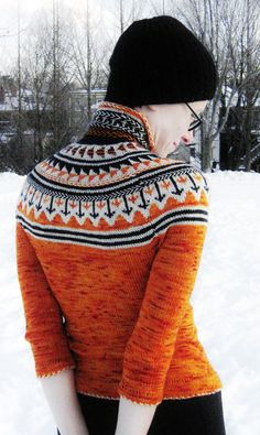 Free Oranje fair isle cardigan pattern by Weaverknits : Knitty Winter 2011 by freda Knitting Stitches, Knitting Patterns Free, Knitting Yarn, Free Knitting, Free Pattern, Summer Knitting, Icelandic Sweaters, Knitting Magazine, Fair Isles