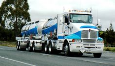 Out on the beginning stages of the Rangipo Desert Road, New Zealand, not far out of Waiouru, is this Kenworth Orica Tanker, during Peterbilt, Kenworth Trucks, Show Trucks, Big Rig Trucks, Volvo, Truck Festival, Desert Road, Road Train, Diesel Engine