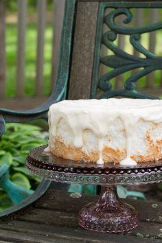 ANGEL FOOD CAKE | Easy recipe for a vanilla glazed angel food cake