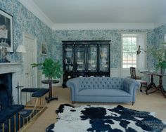 MAISON DECOR: Stella Tennant Country house Chatsworth Estate, Cole And Son Wallpaper, Interior Styling, Interior Design, Stella Tennant, Farrow And Ball Paint, World Of Interiors, Interior Architecture, Beautiful Homes