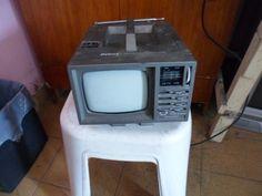Por muito tempo, este foi o eletroeletrônico mais disputado da sua casa.   36 objetos que toda casa brasileira já teve